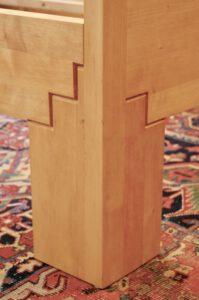 Bett 07-001-B, Detail