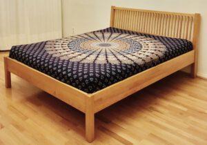Bett 07-005-H, Maße: 94×167,5×213 cm (h×b×l)