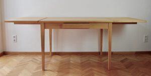 Tisch 78×110×80 cm (h×b×t) mit 2 Ansteckplatten à 50×80 cm