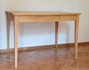 Tisch 78×110×80 cm (h×b×t), auch in weiteren Größen erhältlich